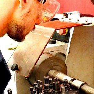 Si ricerca fresatore tradizionale per azienda in provincia di bergamo