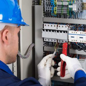 Ricerchiamo Manutentore elettrico per azienda della provincia di Lecco